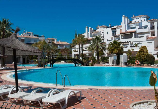 Apartamento en San Pedro de Alcántara - 48 - Las Adelfas modern 4 bed